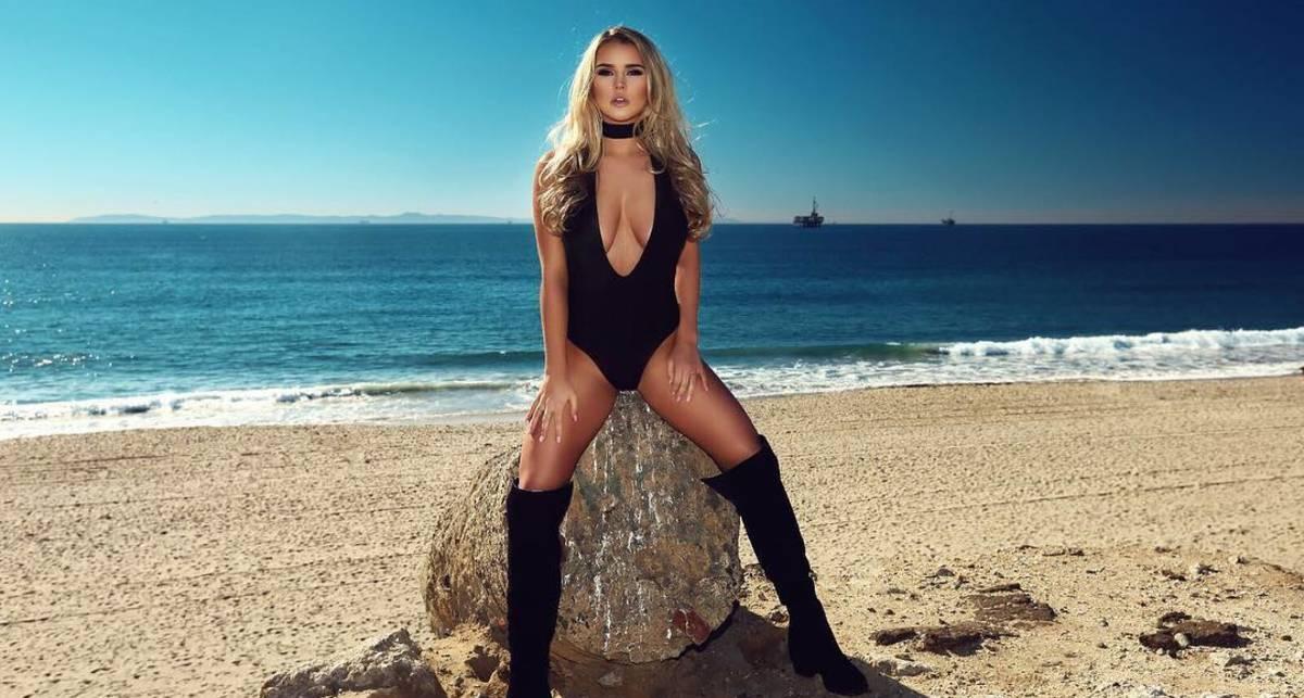 Красотка дня: модель Maxim Кинси Волански