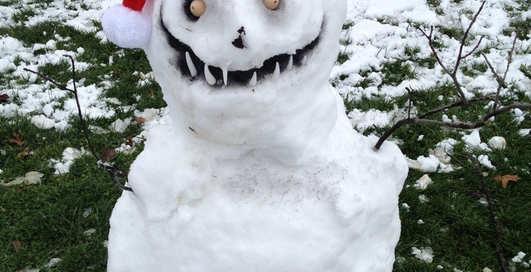 Действительно ли одетый снеговик тает медленнее, чем обычный