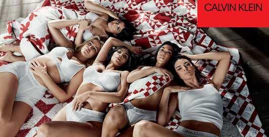 В трусах Calvin Klein: все 5 сестер Кардашян разделись в новой рекламе