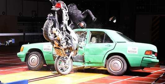 Авто и мото: 7 самых небанальных краш-тестов