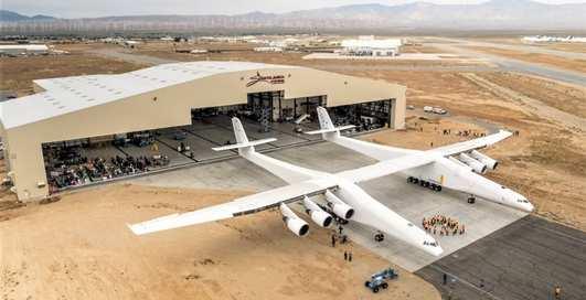 Stratolaunch Model 351: 230-тонный самолет разогнали до 74 км / час