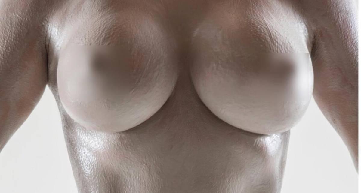 Абсолютно голая Ким Кардашян в рекламе собственного парфюма