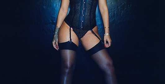 Похудевшая Рианна в рекламе собственного белья Savage X Fenty