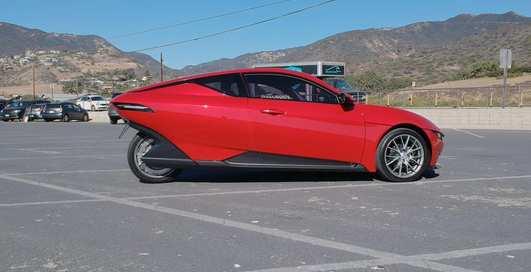 Недо-Tesla: 3-колесный электокар за $10 000