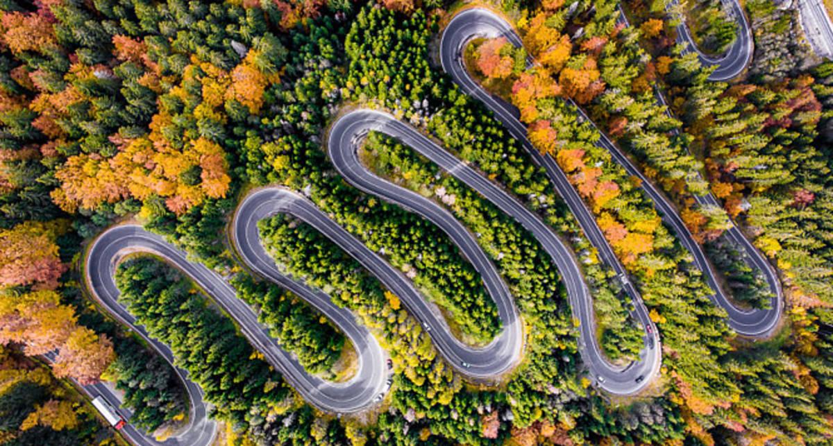 Тропы Дракулы: 20+ фото самых извилистых дорог Трансильвании