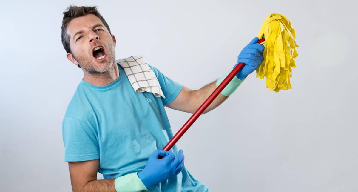 Как убраться за 15 минут: экспресс-лайфхаки для мужчин