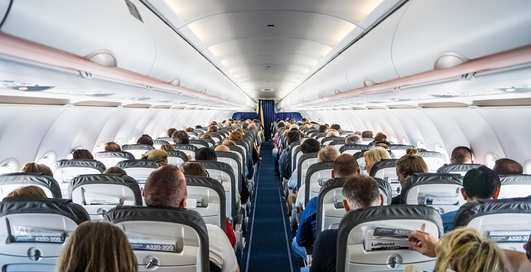 """Не надо стесняться"": пара занялась сексом прямо в салоне самолета"