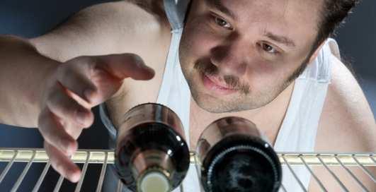 Ученые назвали из-за чего возникает алкогольная зависимость