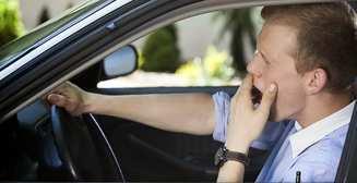 Ученые выяснили, почему водителей клонит на сон за рулем