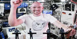 Электронная группа сыграла трек с астронавтом, находящимся на орбите