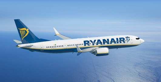 Лоукостер Ryanair распродает авиабилеты из Киева в Европу