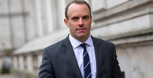 Помощница британского министра возможно работает проституткой