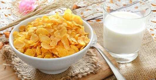 Ученые рассказали, нужно ли есть кукурузные хлопья на завтрак