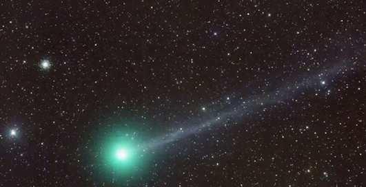 К Земле приблизится огромная комета зеленого цвета