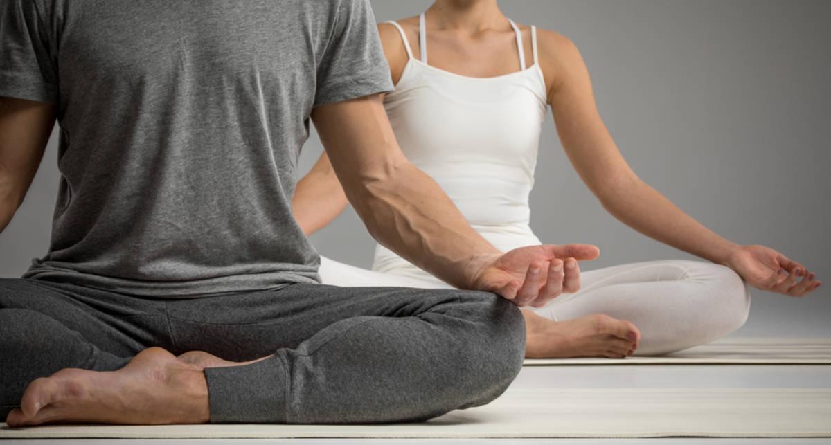 Как йога может помочь в работе