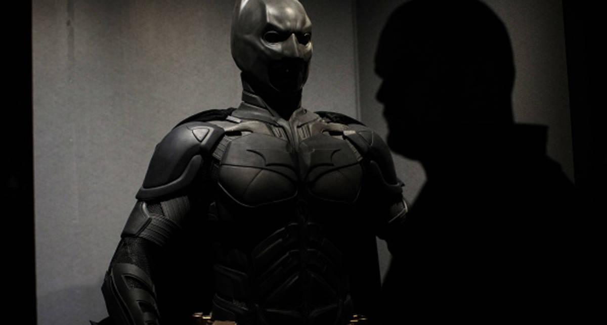 Умный дверной звонок не пустил хозяина в дом, приняв его за Бэтмена
