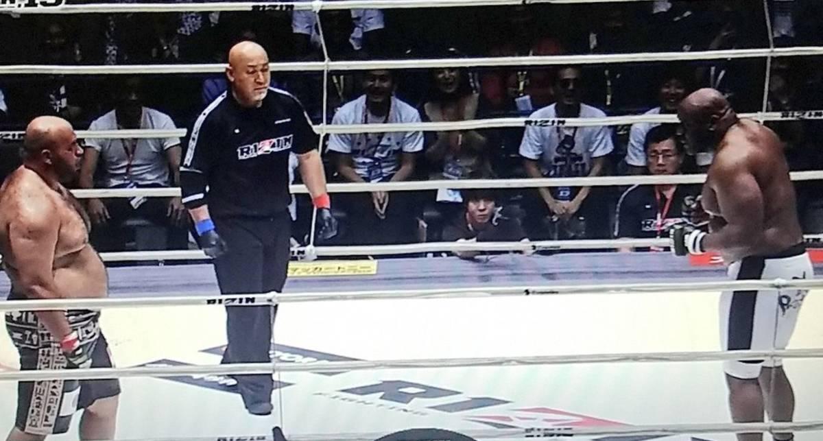 Новый мем: Бойцы MMA устали драться и начали бороться взглядами