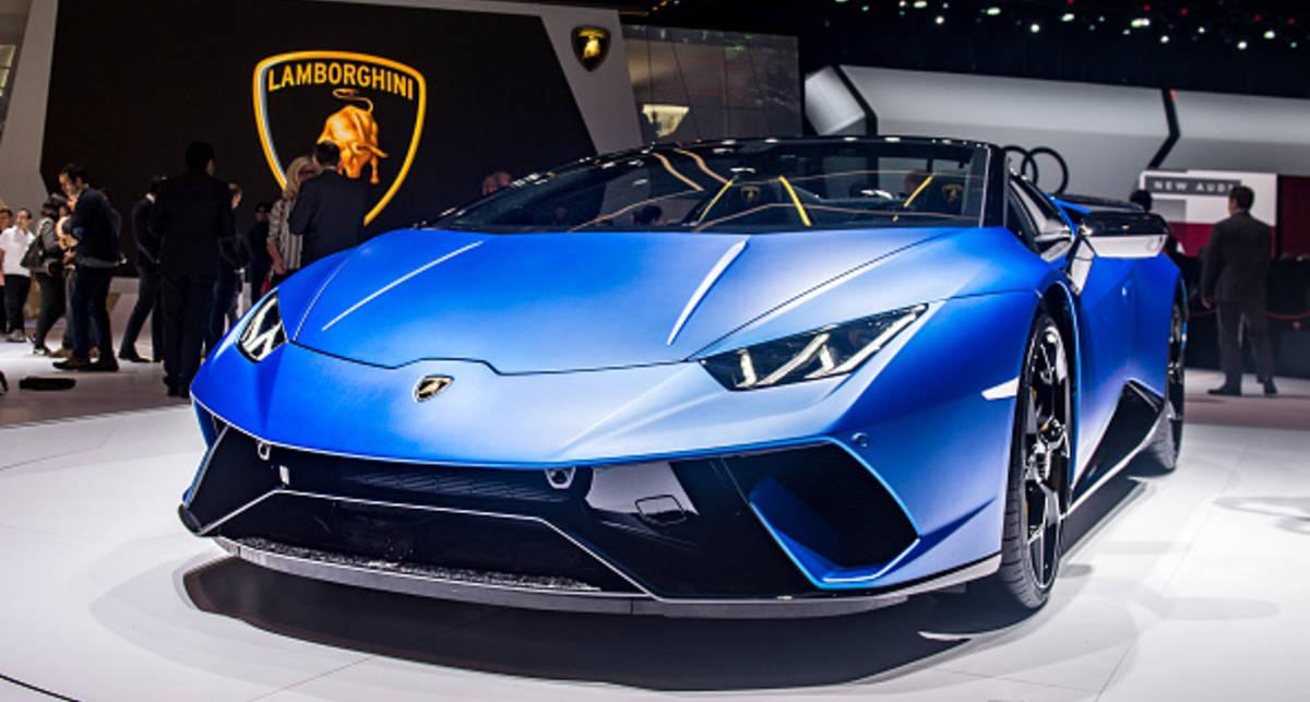 Только купленный суперкар Lamborghini загорелся на дороге