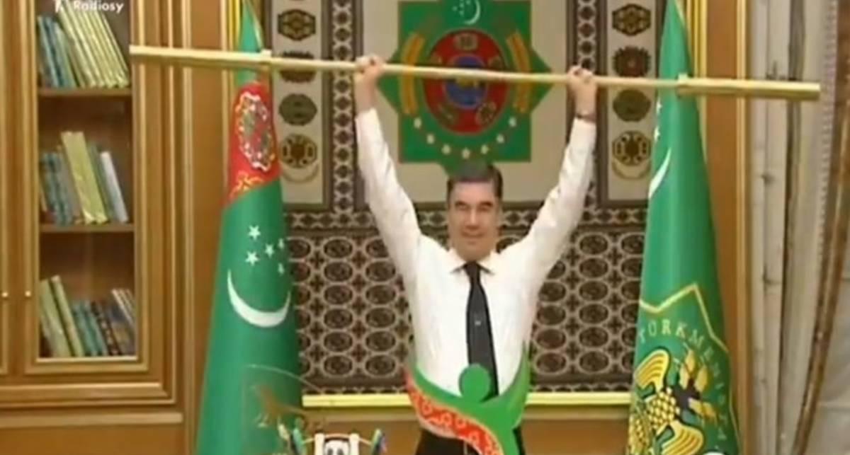 Качок дня: Сколько жмет президент Туркменистана?