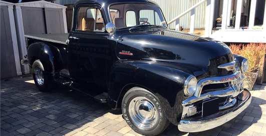 На аукционе продают любимый автомобиль Брюса Уиллиса