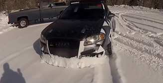 Как использовать Audi RS4 B7 для расчистки снега