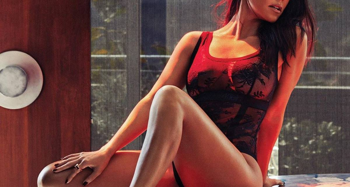 Кортни Кардашьян пикантно показала свои формы журналу GQ