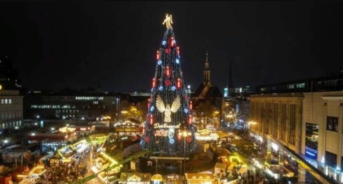 Как выглядит самая большая новогодняя елка в мире?