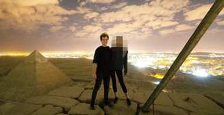 Пара занялась сексом на вершине пирамиды Хеопса