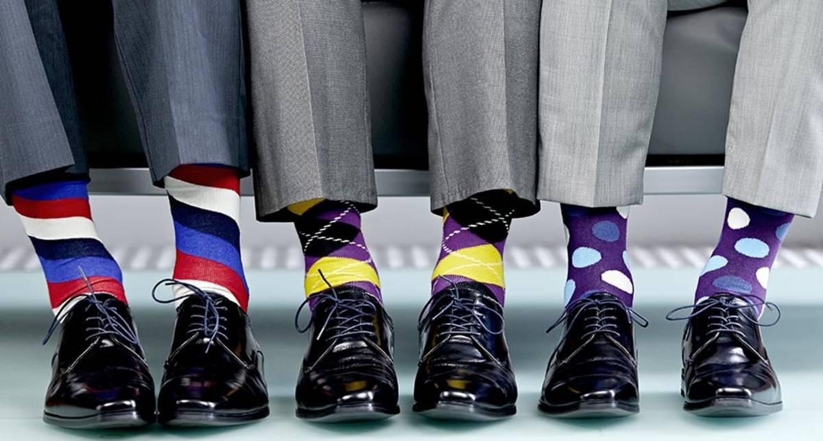 Как правильно выбирать носки: смотри на цвет и рисунок
