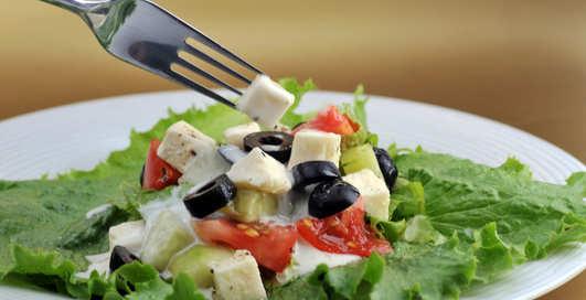 Греческий салат по-дачному