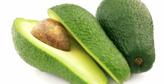 Готовим холодный суп с авокадо