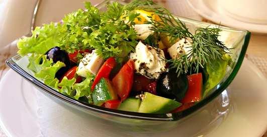 Готовим греческий салат