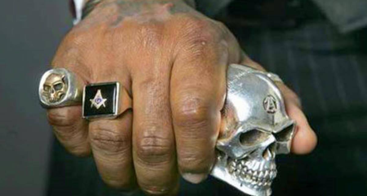Твоя гайка: на каком пальце носить кольцо