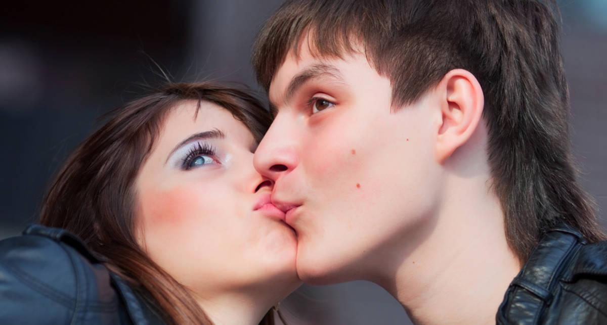 Как поцеловать ее на первом свидании