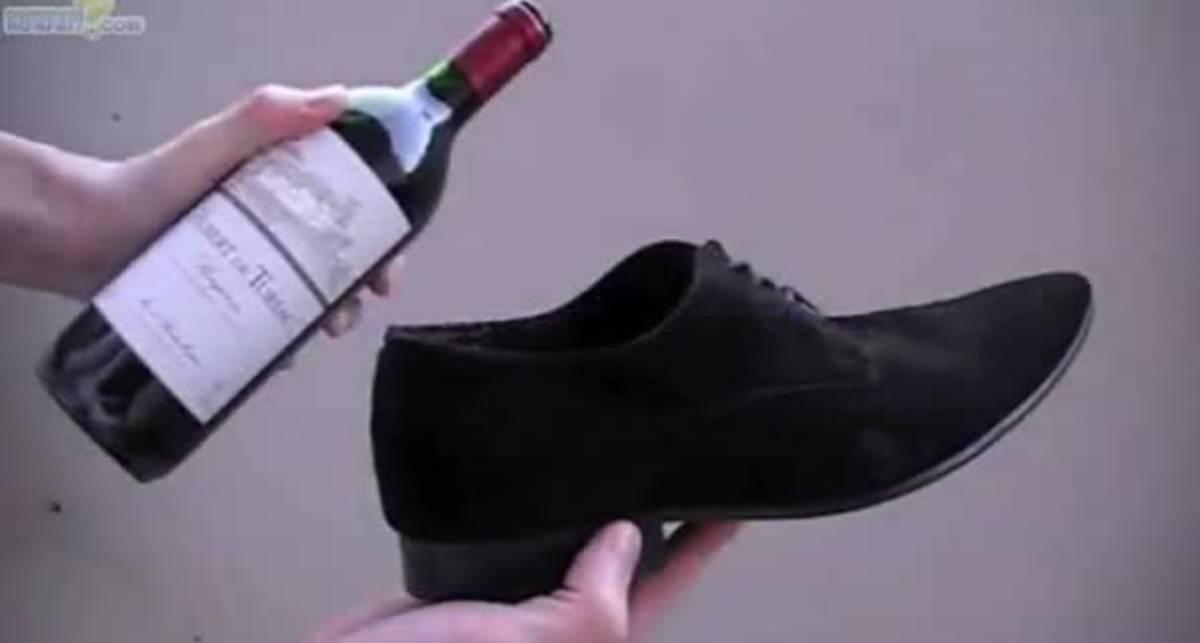 По-мужски: открой вино ботинком