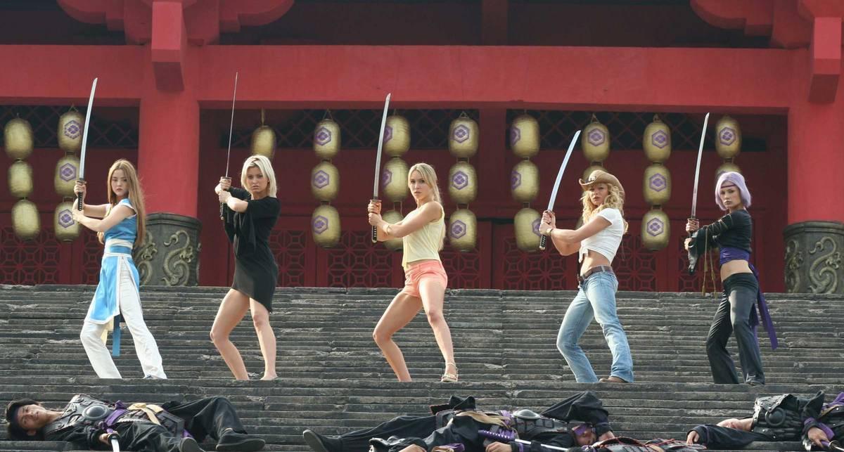 Игра в меч: актрисы с холодным оружием