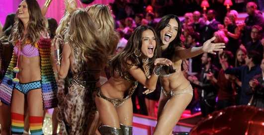 Самые аппетитные модели на Victoria`s Secret