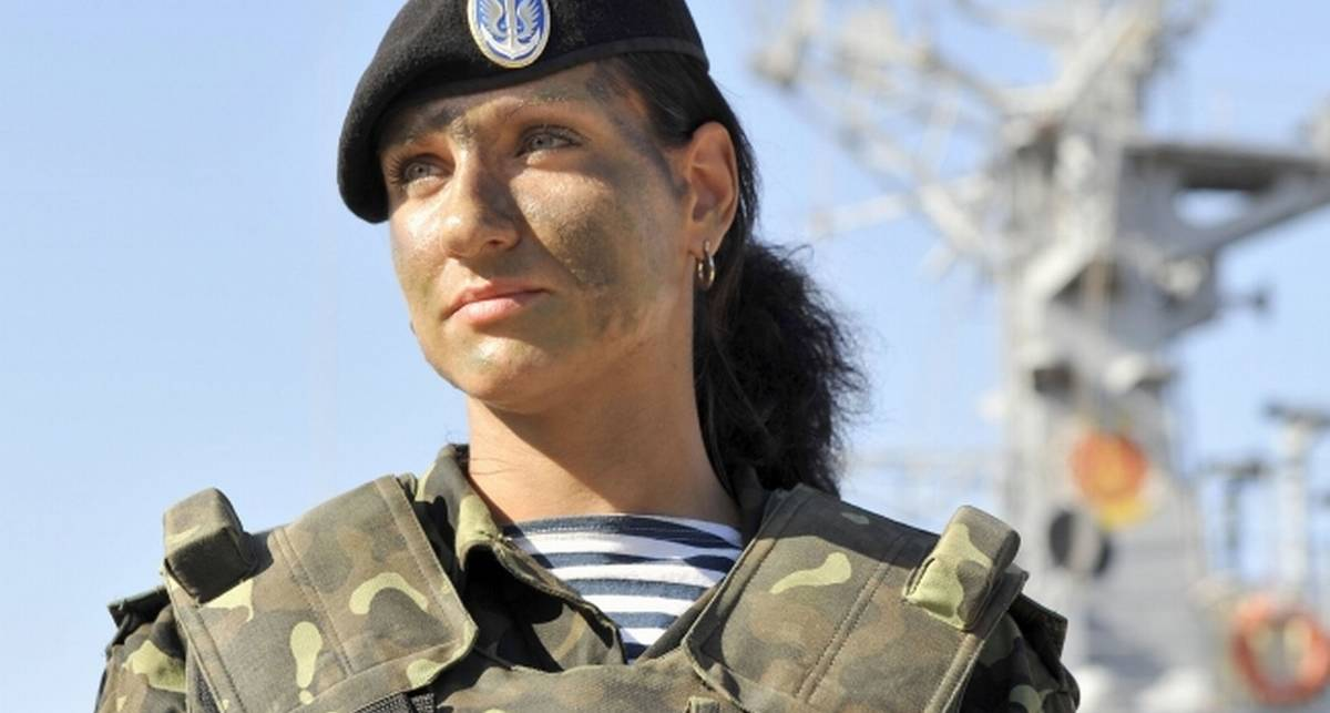 Ко Дню армии: украинки в погонах