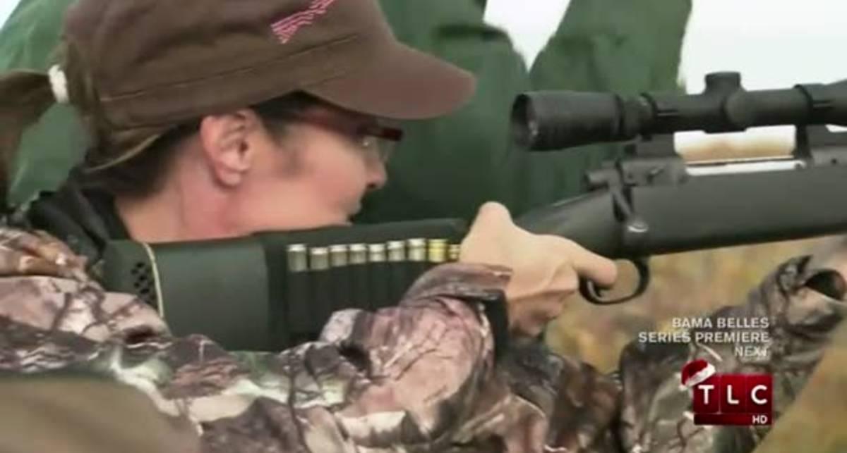 С одного выстрела: Мисс Аляска валит оленя