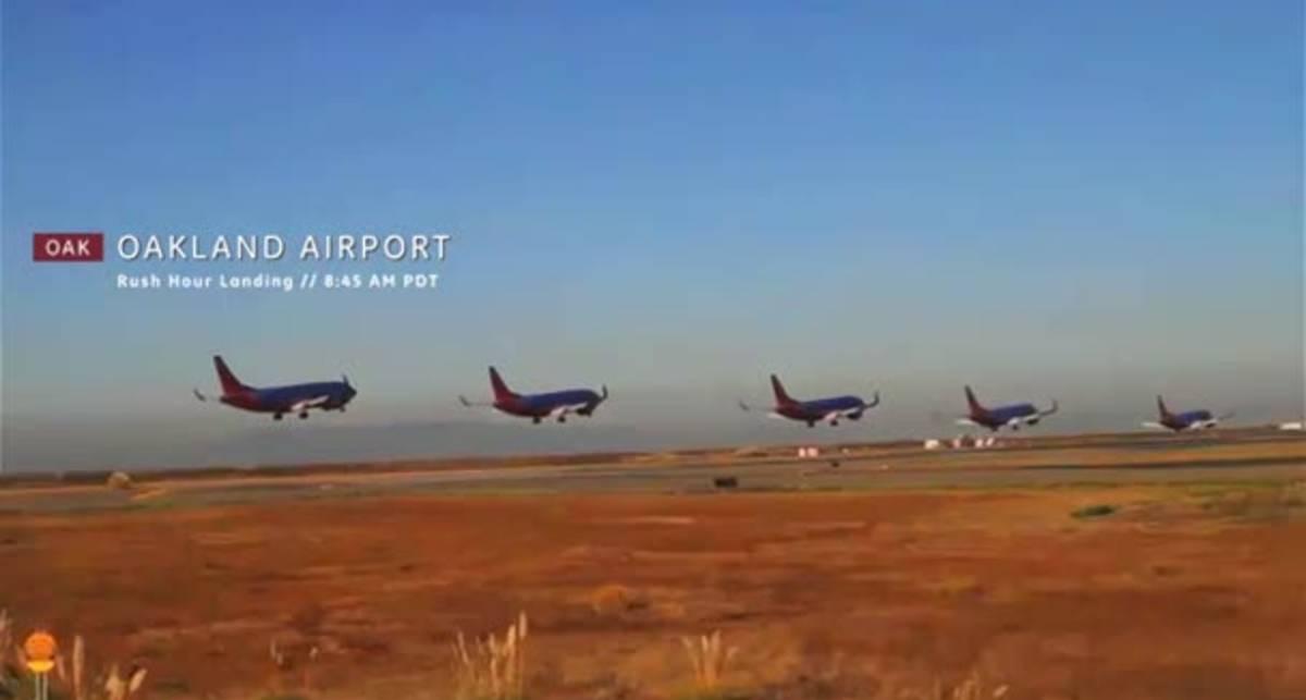 Авиаторы устроили танец самолетов