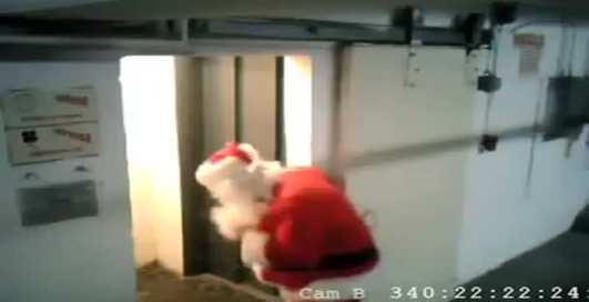 Хороший Санта – пьяный Санта!