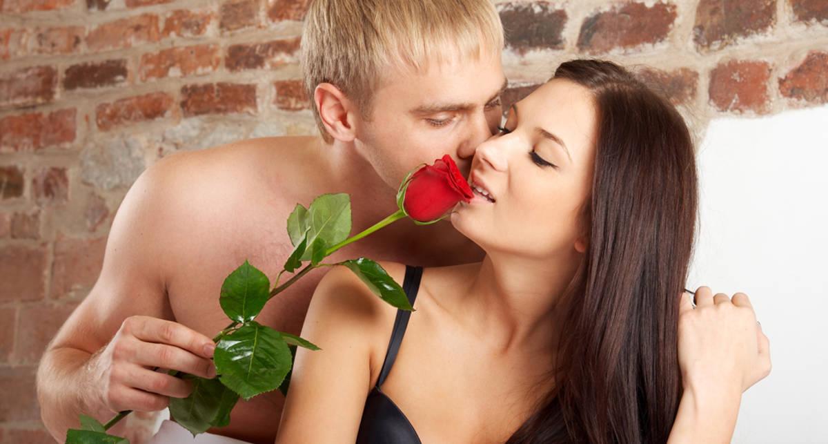 Русская любимая девушка делает приятно