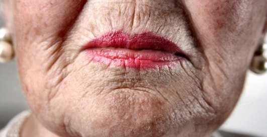 96-летняя проститутка все еще в седле