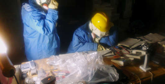 Взрывоопасная Фукусима: первые фото изнутри