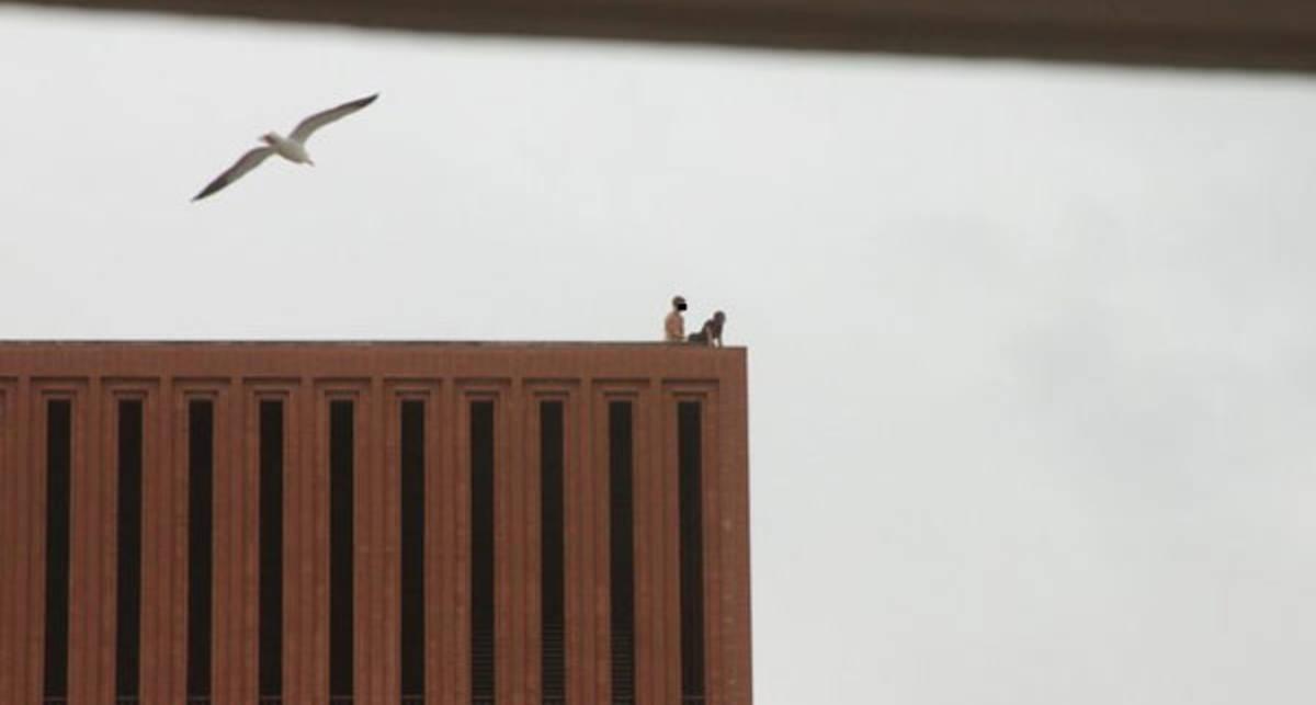 Секс на крыше: когда мужчина сверху