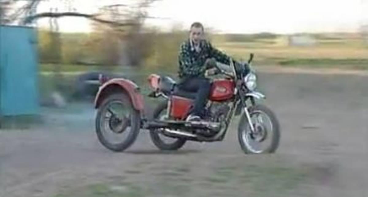 По-мужски: мотокросс в деревне