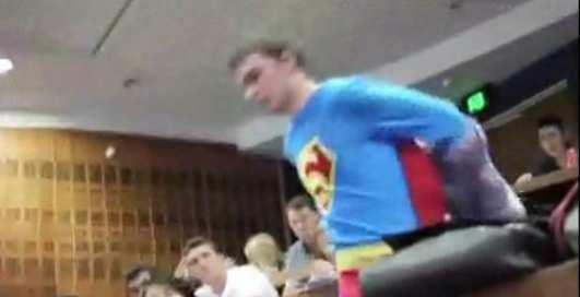 По-мужски: как вызвать Супермена