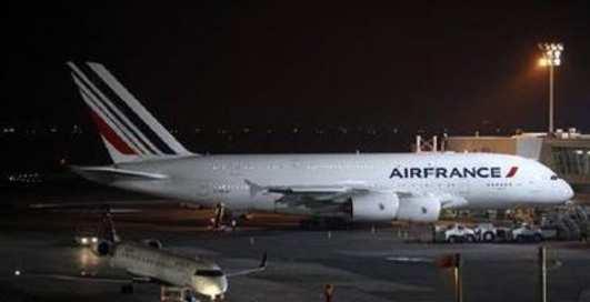 Гигант-аэробус A380 снес самолет при взлете