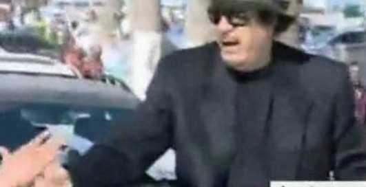 По-мужски: Каддафи вышел в народ