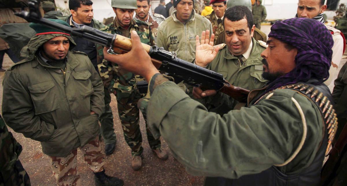 Каддафи насилует страну с Виагрой